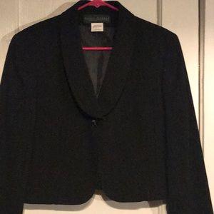 Harve Benard suit